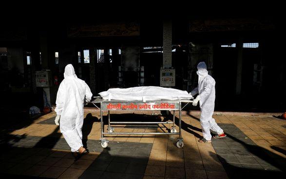 """В Индии скончался мужчина, у которого впервые был обнаружен """"желтый грибок"""""""