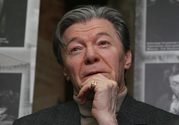Российский актер Збруев попал в больницу. В театре говорят, госпитализация - плановая