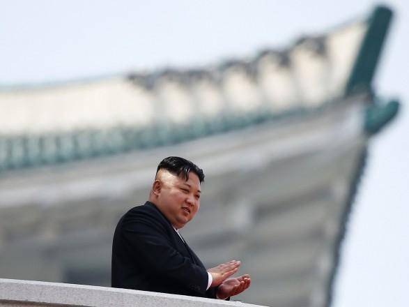 Лидер Северной Кореи Ким Чен Ын не появлялся на публике уже почти в течение месяца
