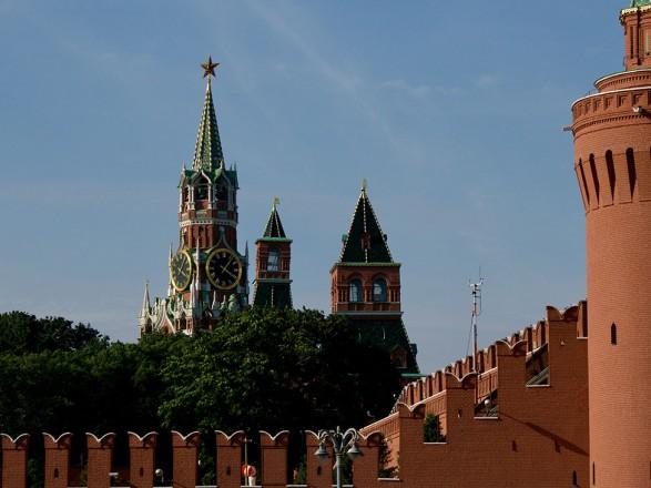 """Кремль: Путин обсуждал с Макроном встречу глав МИД в """"нормандском формате"""""""