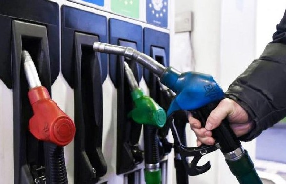 Кабмин разрешил АЗС поднять цены на бензин и дизтопливо