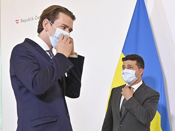 Зеленский пригласил канцлера Австрии в Украину