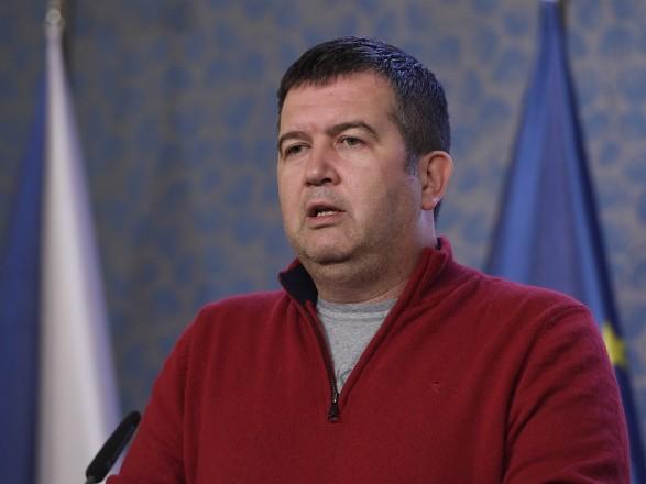С глав разведки и полиции Чехии сняли запрет на информирование о взрывах на складах