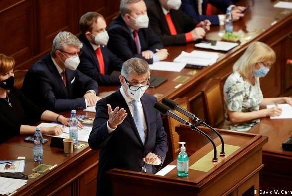 Парламент Чехии не смог вынести вотум недоверия премьер-министру Андрею Бабишу