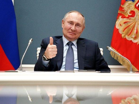 """Путин подписал закон, запрещающий """"экстремистам"""" участвовать в выборах на фоне репрессий против Навального"""