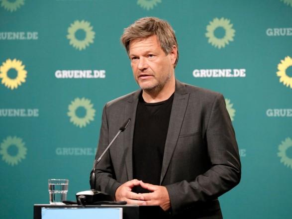 """Сопредседатель """"зеленых"""" Германии выступил с критикой правительства в Берлине из-за уровня его помощи Украине"""