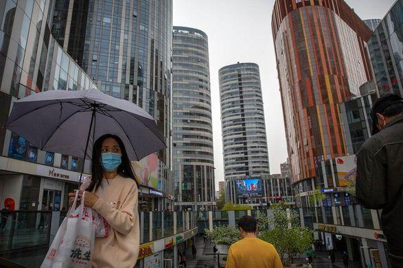 Власти китайского города Гуанчжоу ввели ряд ограничений из-за угрозы COVID-19