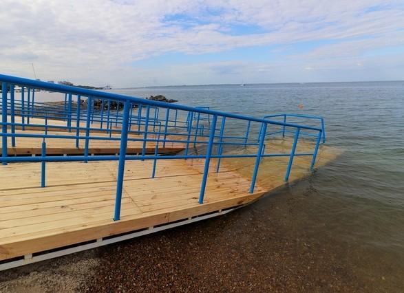 Одесситы обсудили преимущества и недостатки инклюзивного пляжа Труханова