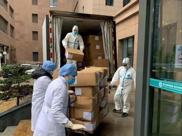 Китай сообщил, что провел уже более 800 млн прививок от COVID-19