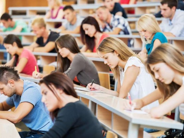 Профильный комитет рекомендовал Раде принять законопроект, который позволяет обучение иностранцев в вузах на русском