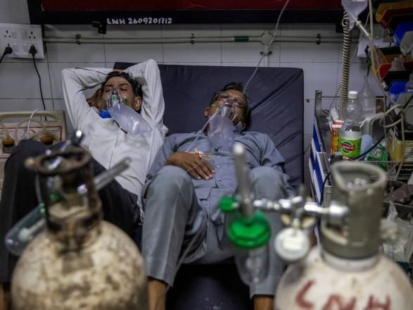 """Количество инфицированных больных COVID-19 """"черным грибком"""" в Индии достигло уже более 30 тысяч человек"""