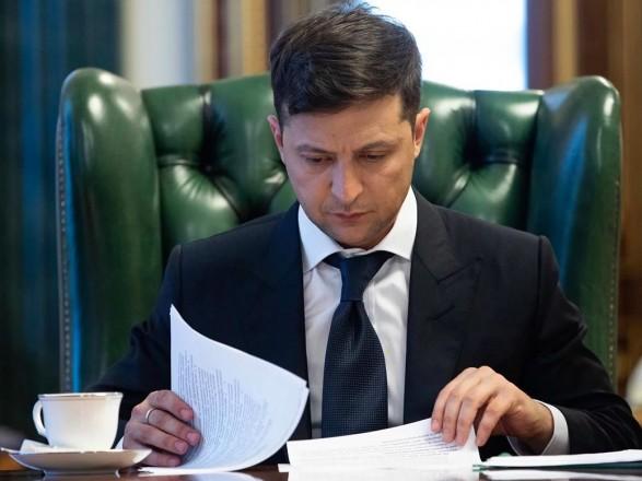 Переход на отечественные самолеты: Зеленский подписал закон о поддержке украинских авиакомпаний