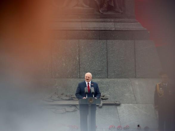 Лукашенко: Они поступили гадко, мы не будем принимать самолеты из Украины