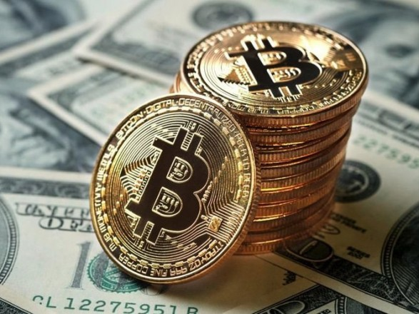 Курс биткоина упал более чем на 11% за сутки