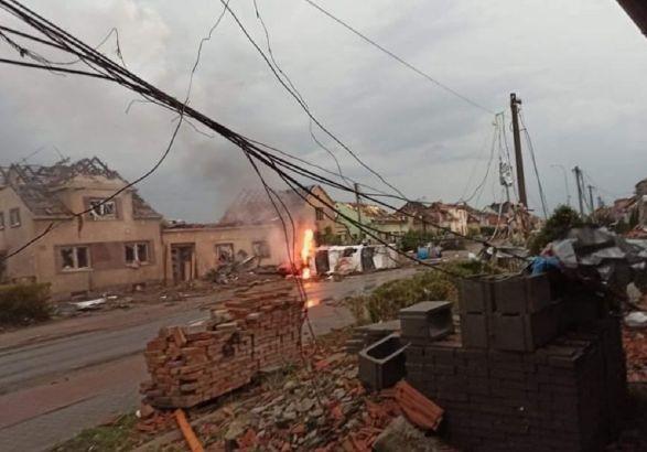 В Чехии бушевал сильный торнадо: 5 человек погибли, еще 150 ранены