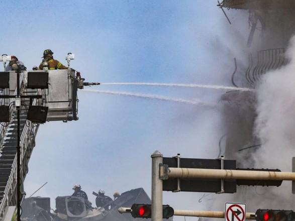 Во Флориде на месте обрушения дома произошел пожар