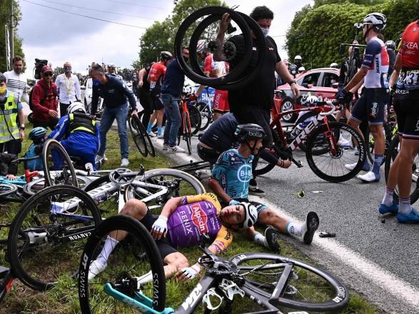 Виновница массовой аварии на Tour de France предстанет перед судом в октябре