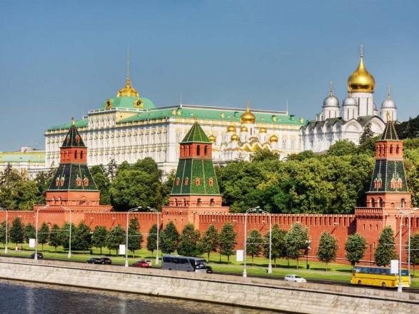 """Кремль заявил, что """"в России нет желания разместить свой флаг на территории Украины, мы уважаем ее суверенитет"""""""