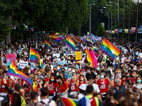 В Мадриде состоялся масштабный гей-парад