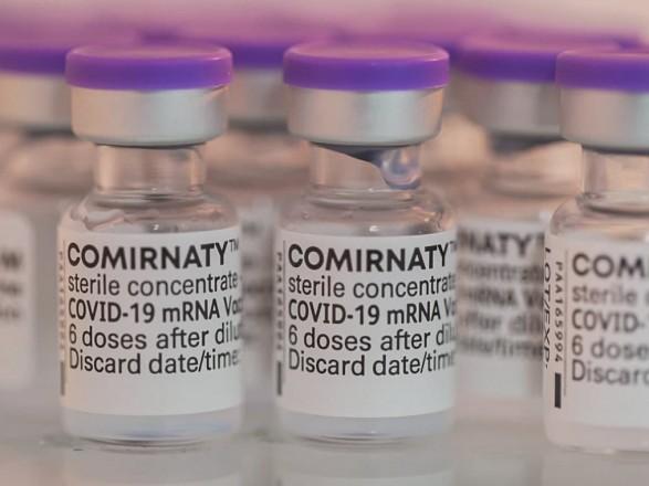 Большинство прививок от COVID-19 в Украине перевели на вакцину Pfizer