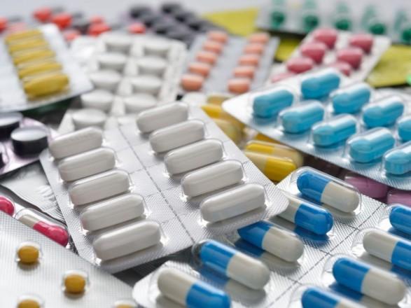 Рада запретила продажу лекарств детям
