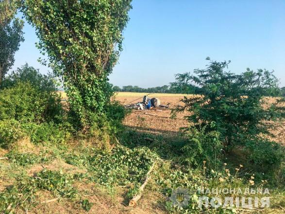 Вертолет в Николаевской области упал при выполнении рейса по распылению агрохимикатов