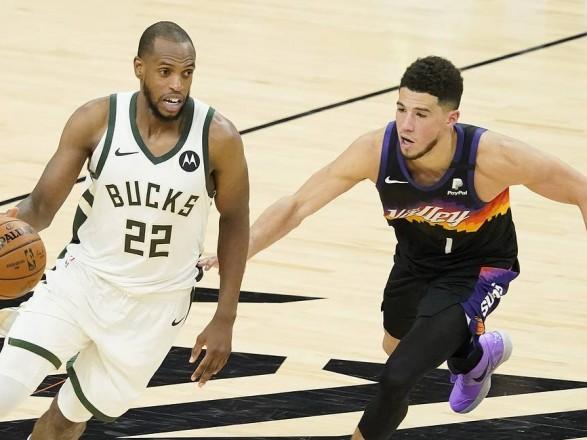 """Баскетбол: """"Милуоки"""" одержали третью победу в финальной серии НБА"""