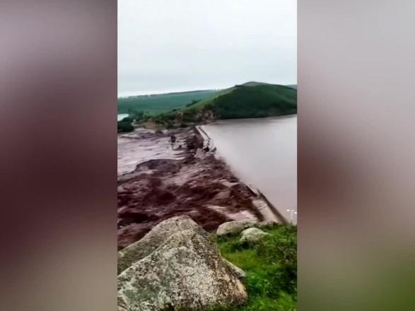 Две дамбы во Внутренней Монголии в Китае разрушены из-за ливней