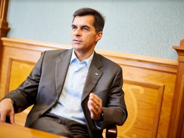 """Бывший руководитель убыточной """"Укрзализныци"""" потребовал 17 млн грн компенсаций за увольнение"""