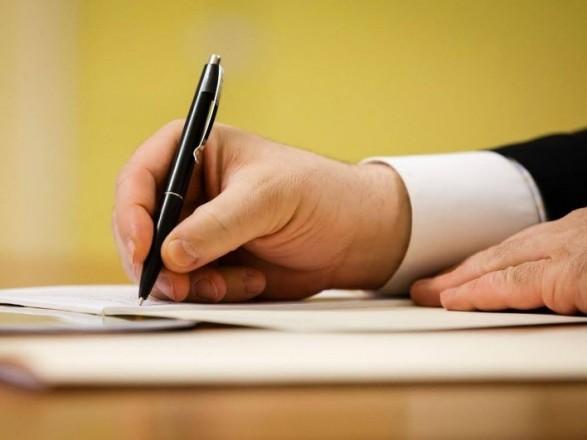 Зеленский подписал закон об уточнении определения лизинговой операции: что предусматривает