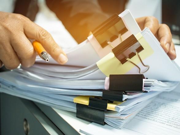 В Украине вступили в силу законы об освобождении от ответственности за уклонение от уплаты налогов и ЕСВ
