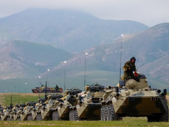 Россия усиливает военную базу в Таджикистане новой техникой на фоне эскалации в Афганистане