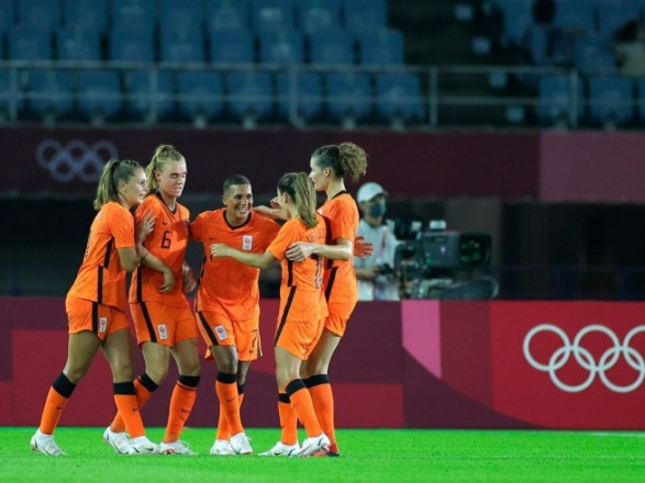 Олимпиада-2020: состоялись стартовые футбольные поединки среди женских сборных