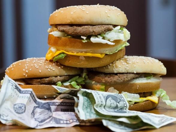 """Доллар в Украине за """"гамбургерным"""" курсом должен стоить 11,5 грн"""