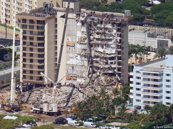 Обвал дома в Флориде: из-под завалов достали последнюю жертву