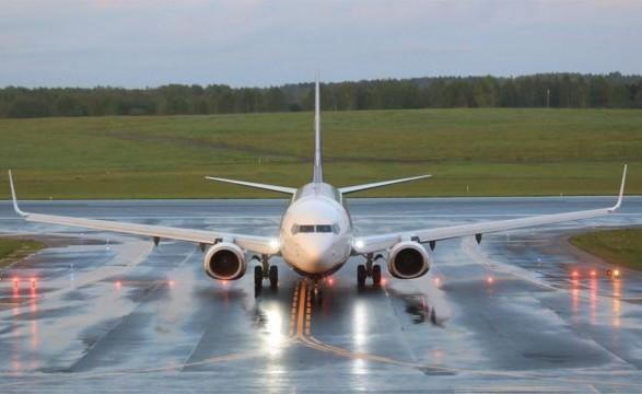 Самолет Киев-Батуми совершил вынужденную посадку