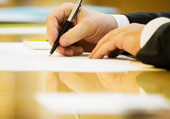 Зеленський підписав закони про національний спротив і збільшення чисельності ЗСУ