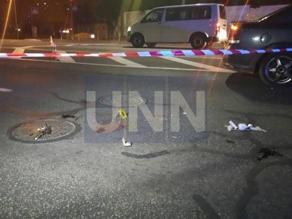 В столице автомобиль сбил девушку на пешеходном переходе