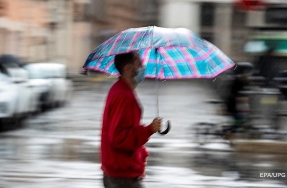 Град, шквали і грози: в Україні оголосили штормове попередження