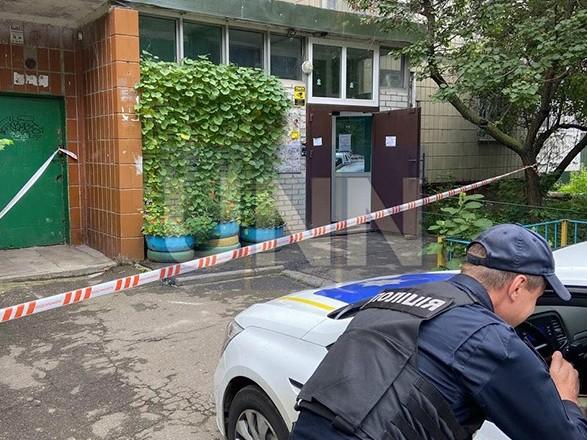 В столице мужчина обнаружил в квартире сына расчлененный труп