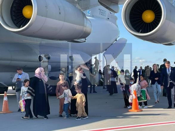 Эвакуация из Кабула: сегодня в Украину уже прибыли два самолета, еще один - сядет через два часа