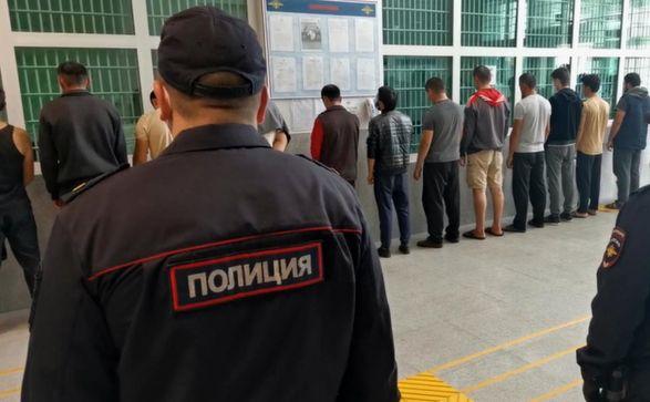 В центре Москвы произошла массовая драка, полиция задержала 49 человек