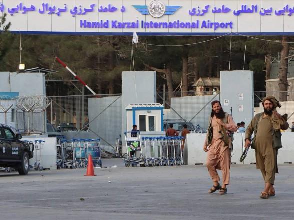 США начали вывод военных из аэропорта Кабула
