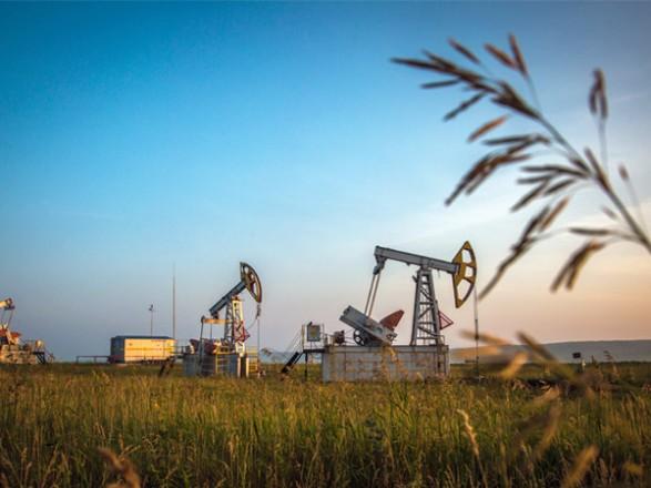 """Нефть дешевеет после того, как ураган """"Ида"""" обрушился на американские буровые установки и НПЗ"""