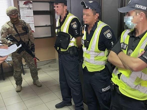 """Коррумпированные патрульные в Херсонской области зарабатывали на грузовиках с """"перегрузом"""" по 25 тысяч грн/день"""