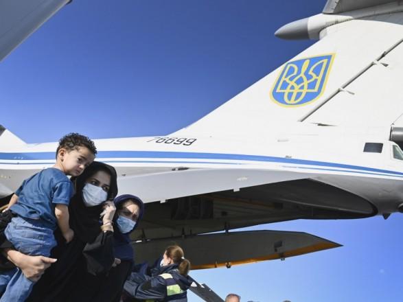 Минобороны: Украина эвакуировала 700 людей из Афганистана