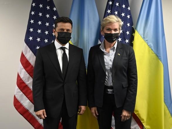 Зеленский хочет начать консультации Украина-Германия-США по газу