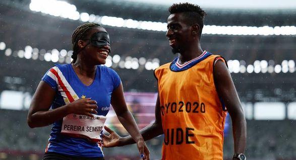 Паралимпийские игры: бегунья из Кабо-Верде получила предложение руки и сердца