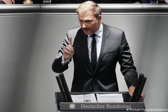 Лидер либералов в Германии выступил за более точечные санкции в отношении России