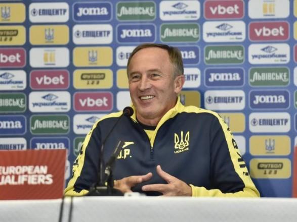 Футбол: Петраков сравнил игру молодого игроков с опытными в составе Украины